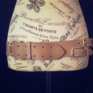 Línea Pelle Collection multi buckle brown Belt